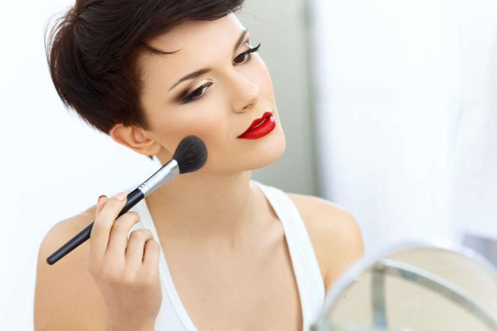 化妆-.jpg